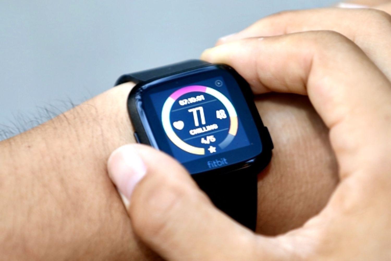 芯连芯方能展现自我——Fitbit Versa手表