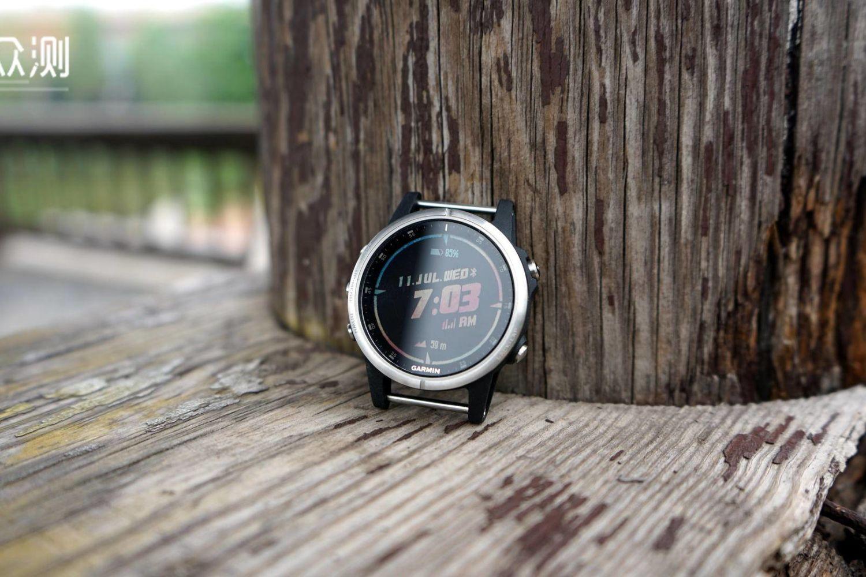功能全面、给力,佳明fēnix 5S Plus运动腕表