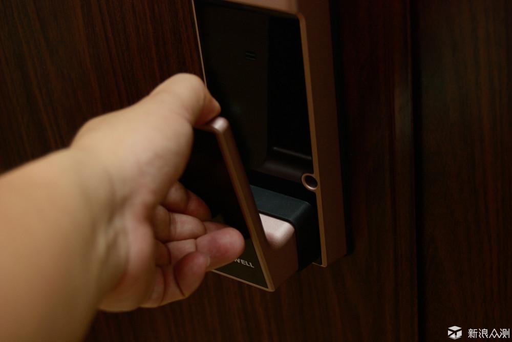 纽威尔Touch1智能门锁---轻松出门的好帮手_新浪众测