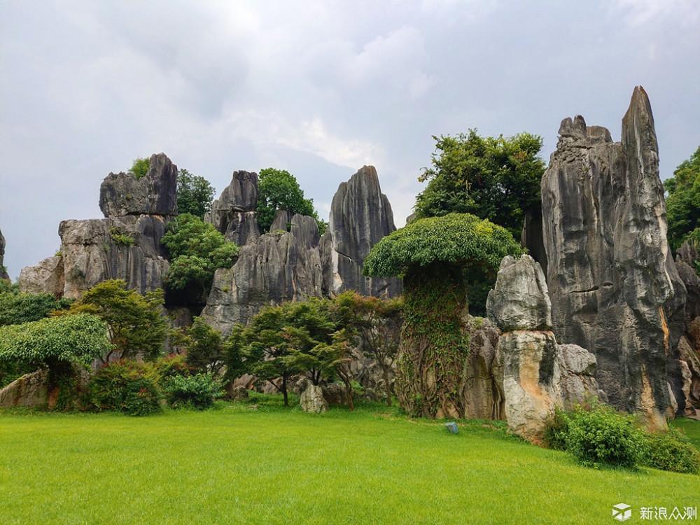 体验大自然鬼斧神工的石林风景区