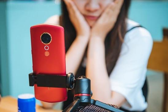 小姐姐必入的美颜神器,推荐这几款AI拍照手机