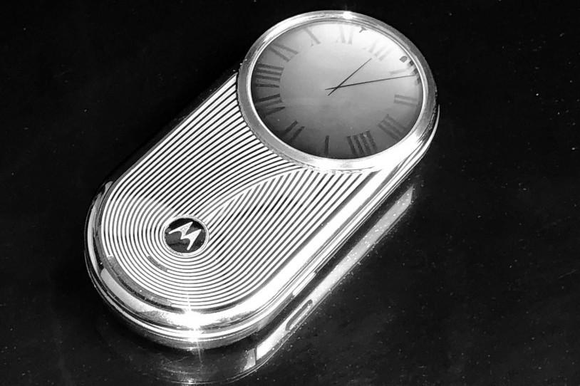 万元手机?手表?摩托罗拉巅峰之作AURA R1
