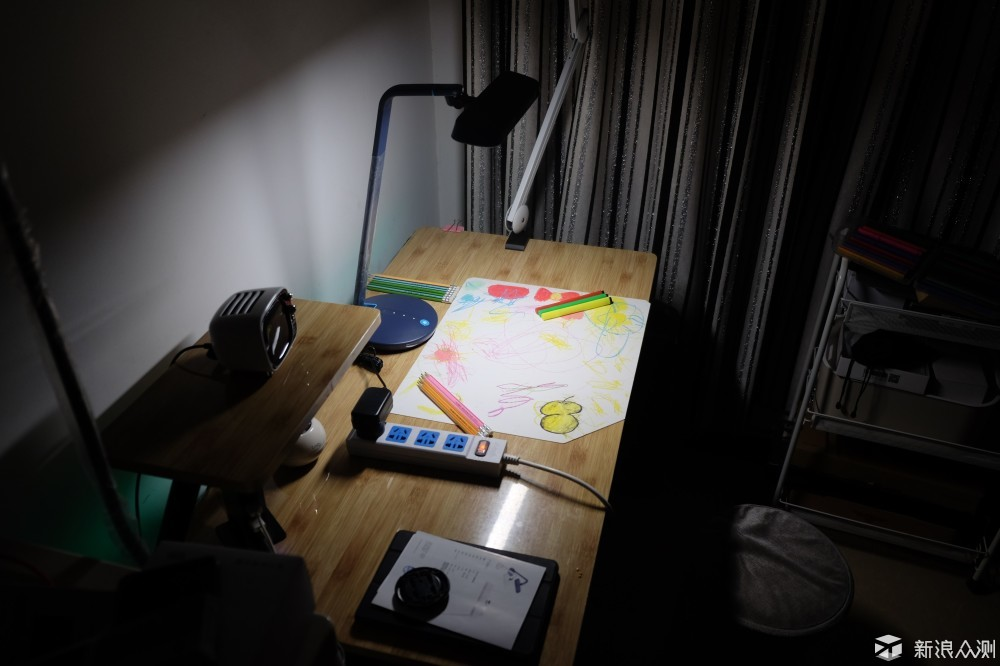 要学习还得先护眼,飞利浦轩扬LED台灯体验_新浪众测