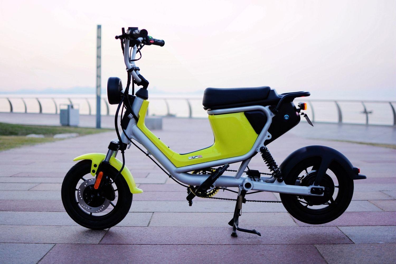 城市中的灵巧行者——小牛UM电动车