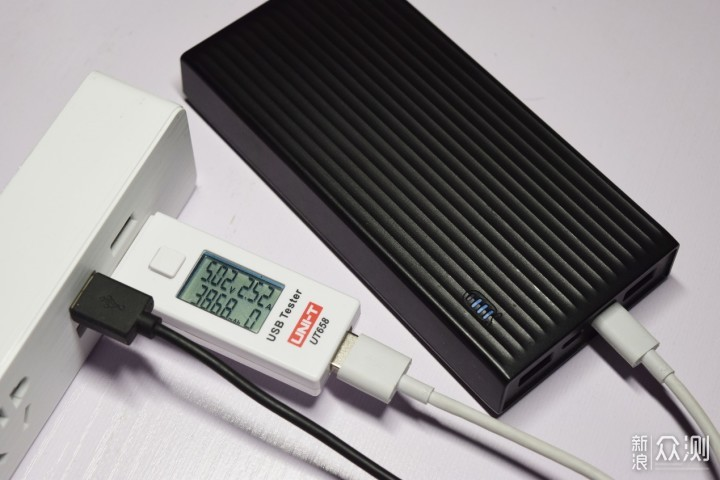 单孔最高2.52A,四USB接口的ORICO插座点评_新浪众测