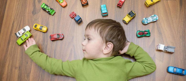 儿童纸箱汽车模型制作
