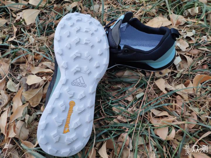 阿迪达斯TERREX户外运动鞋试穿感受_新浪众测