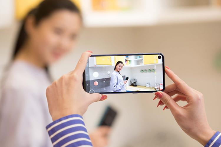 三星Galaxy A8s免费试用,评测