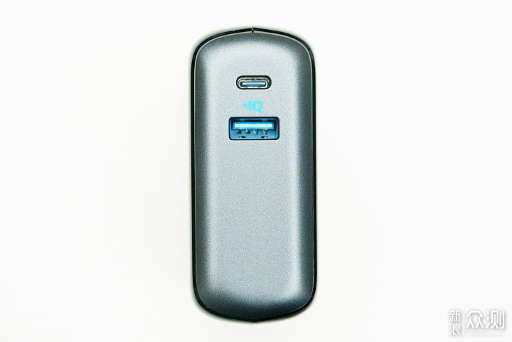 Anker超极充10000毫安,兼顾多数码设备快充电_新浪众测