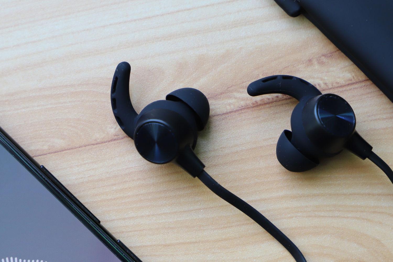 平价轻奢的运动伴侣——JEET W1S运动蓝牙耳机