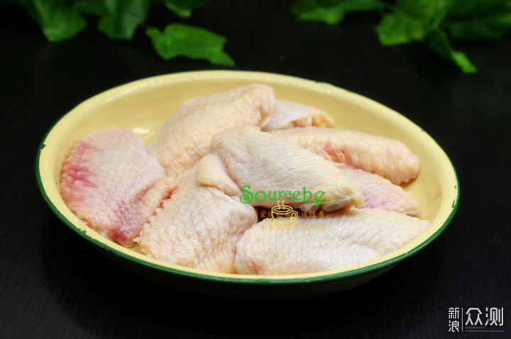 蜜汁鸡翅,皮脆肉嫩,嚼劲十足,连骨头都酥香_新浪众测